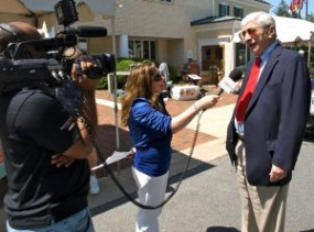 Image of Sonya Burke with Marvin Kalb at Gaithersburg Book Festival