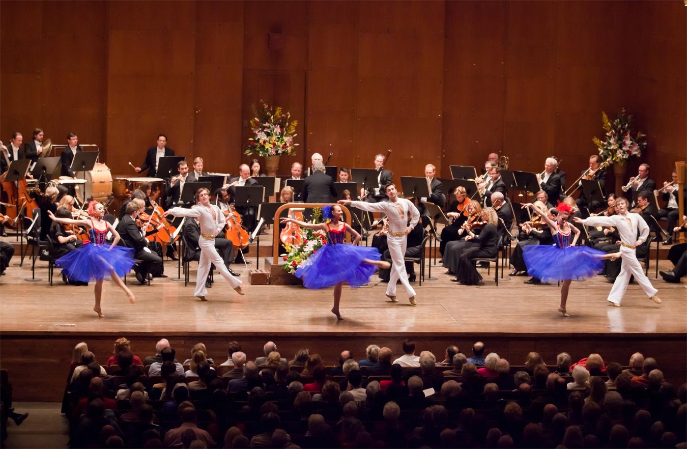 Salute to Vienna on stage