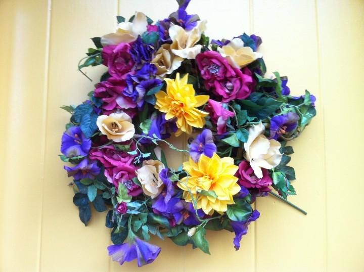 photo door wreath