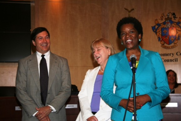 Safeway Public Affairs Director Greg Ten Eyck, Councimembers Nancy Floreen and Valerie Ervin