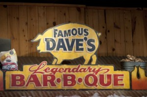 Famous Daves sign