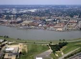 640px-Washington_Navy_Yard_aerial_view_1985