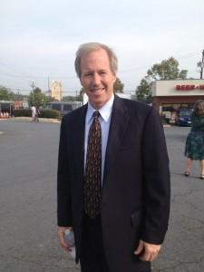 Councilmember Phil Andrews arrives for the President's visit