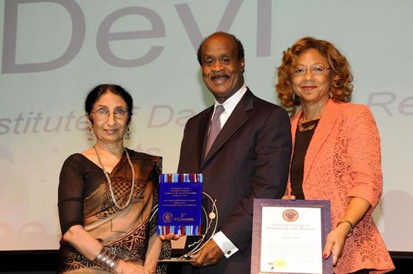 Lifetime Achievement Award Winner Nilimma Devi with County Executive and Mrs. Leggett Photo | Clark W. Day