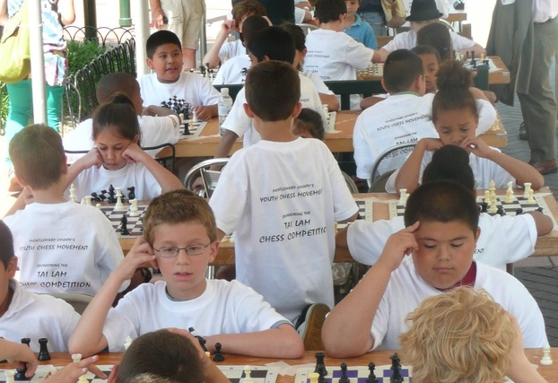 Children compete at the Tai Lam chess competition in Silver Spring in 2009.