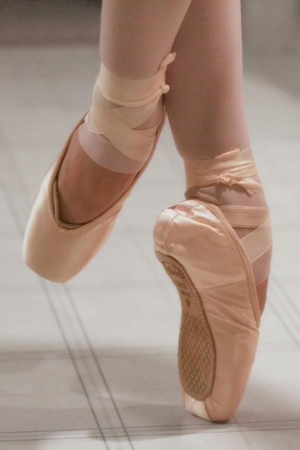 photo ballet pointe shoes