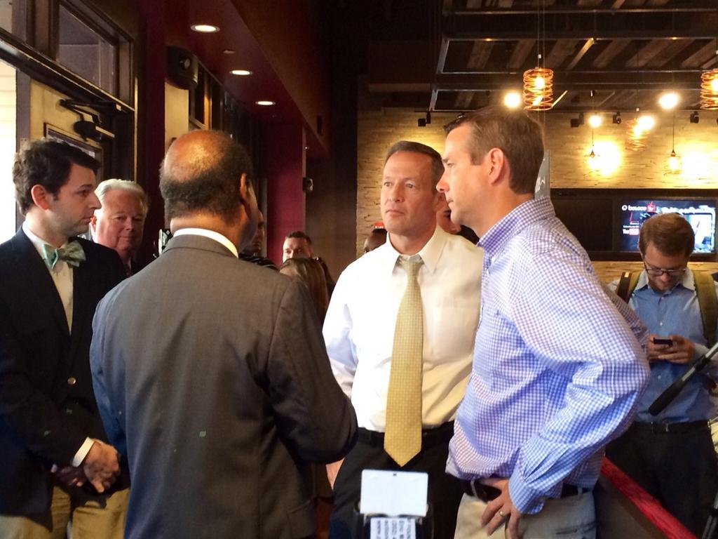 photo of County Executive Ike Leggett talking to Governor O'Malley at Boloco in Bethesda