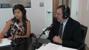 Daniel Parra de la Cámara de Comercio Hispana de Montgomery visita En Sintonía