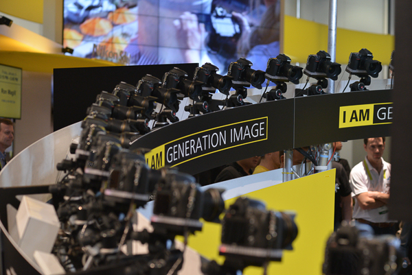 The CES Nikon 360 Display with sequenced cameras firing to create a 360 of a subject