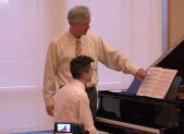 photo of pianist Brian Ganz teaching master piano class at Strathmore
