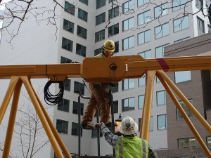 Connec ting two sections of Bethesda crane