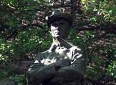 Confederate Soldier Statue 450x280