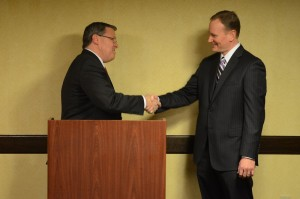 (l:r) City of Gaithersburg Mayor Jud Ashman welcomes Stuart Barr as the GGCC's 2016 Board Chairman. Ashman conducted the Chamber's Board installation at its Annual Celebration Dinner on December 3. (photo compliments of John Keith Photography)